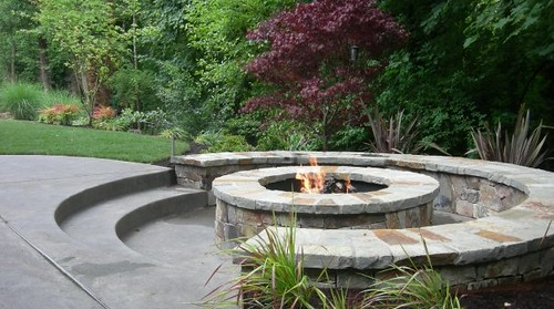 Sunken Fire Pit This Circular Fire Pit Has A Cozy Feel
