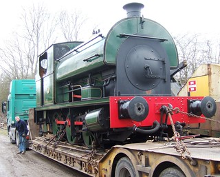 Saddle tank engine on loan | A saddle tank arrives on Saturd… | Flickr