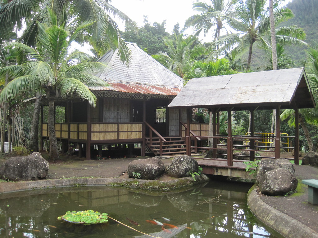 Filipino house kepaniwai heritage park iao valley maui - The garden place at heritage park ...