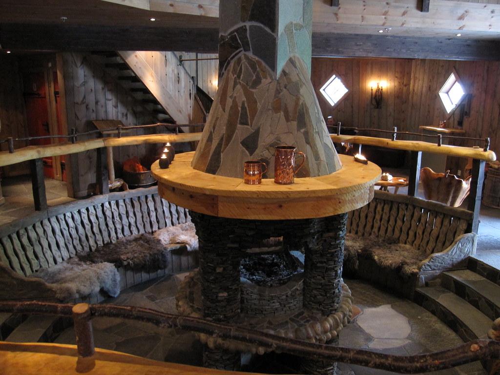 Gir bryggeri the central fireplace at the gir bryggeri for Central fireplace