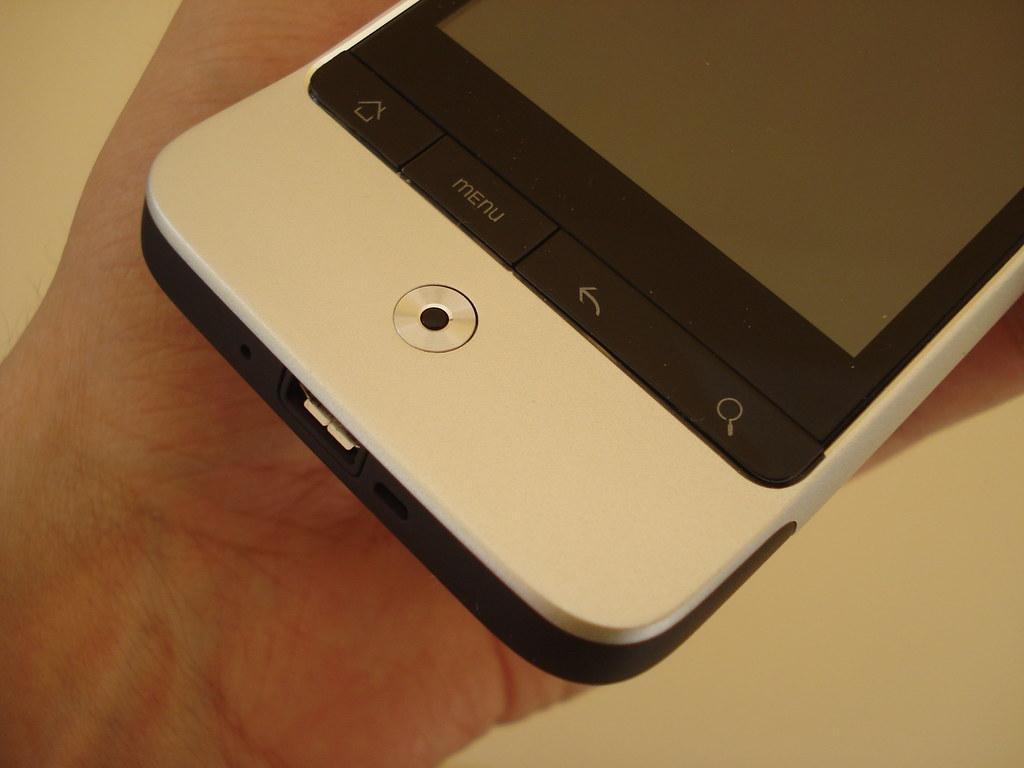 HTC Legend | HTC Legend hands on. | John Karakatsanis