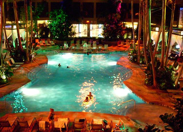Harrahs pool at night atlantic city hotels flickr for Pool show in atlantic city