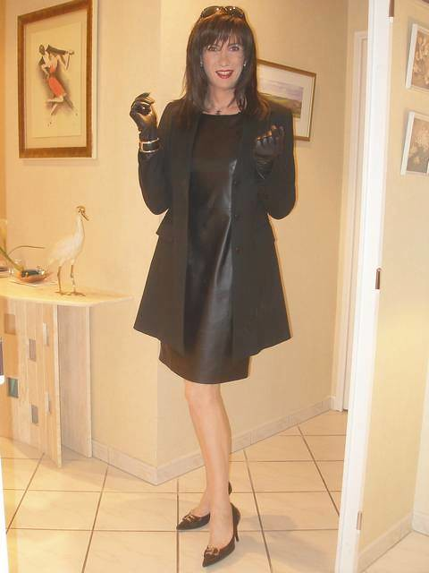 black leather dress-10-02-09-03