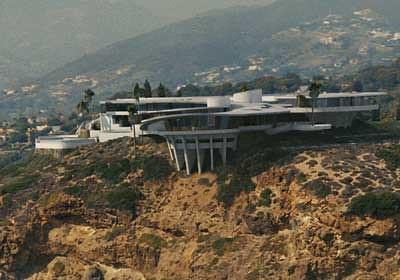 Tony Stark 39 S Mansion As It Appears In Iron Man La