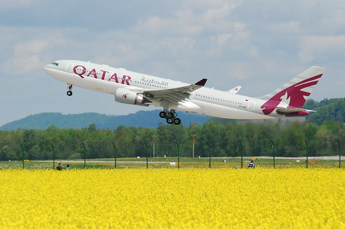 Qatar Airways Airbus A330-203; A7-ACD@ZRH;09.05.2010/571bg | by Aero Icarus