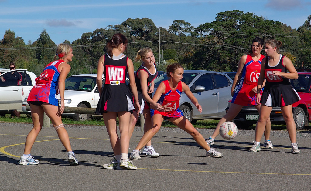 netball bounce pass 3039 | A Grade Round 6 of the CHNL saw ...