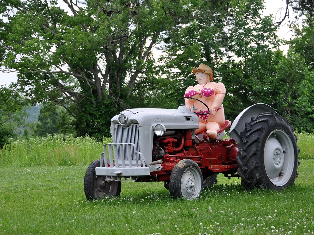 Hot Babe On A Tractor  Near Fordsville, Kentucky View On -8649