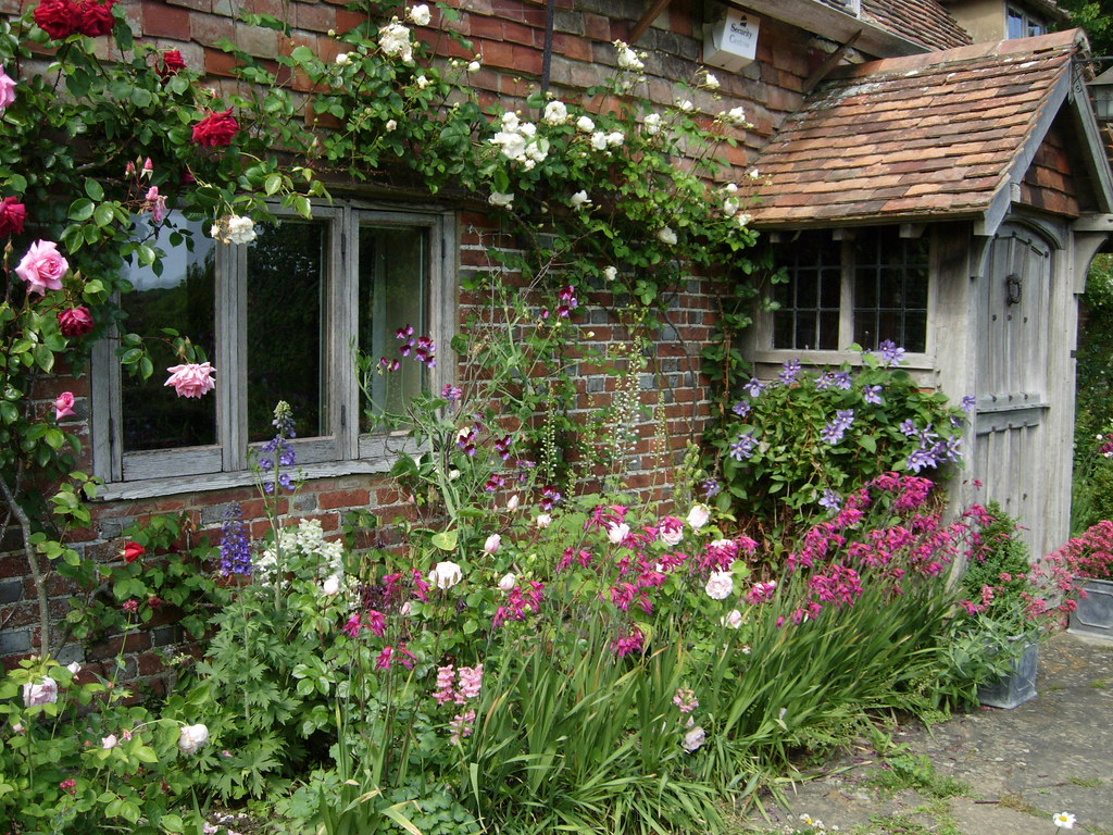 Garden style the english cottage garden where the old - An English Cottage Garden June By With English Cottage