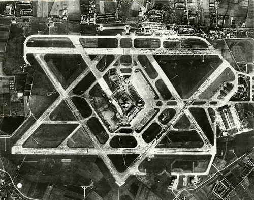 Heathrow Star | by The National Archives UK