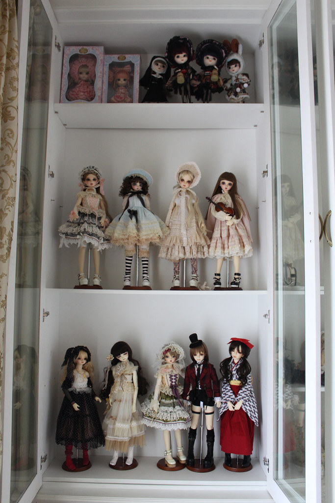 Genial ... My Doll Cabinet 11 12 2009 | By Veroferdi