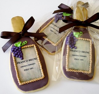 Personalized Wine Bottle cookies | by L&V sweets