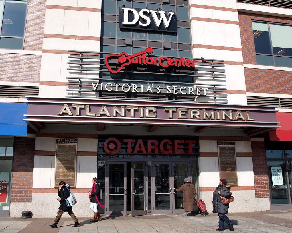 Atlantic terminal mall brooklyn new york city jag9889 for Store fenetre new york