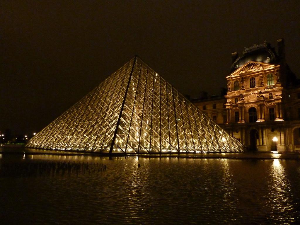 La pyramide du louvre de nuit cpakmoi flickr - Inauguration pyramide du louvre ...