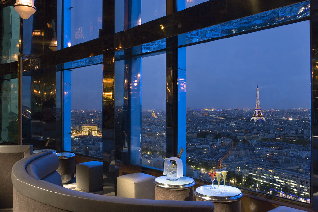 Bar Panoramique With Mesmerizing Eiffel Tower And Arc De Triomphe Blue View Hotel Concorde La