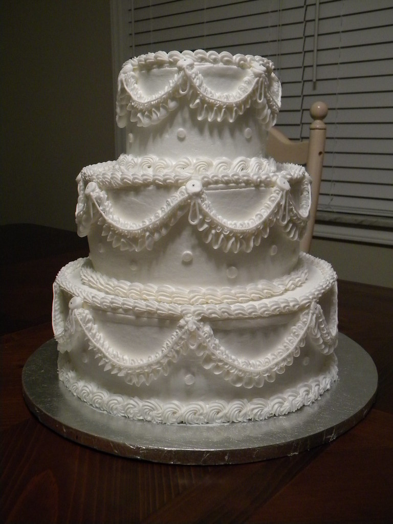 """Old School"" Traditional Wedding Cake 