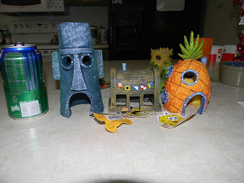 Spongebob tank decorations found this neat set on ebay for Spongebob fish tank