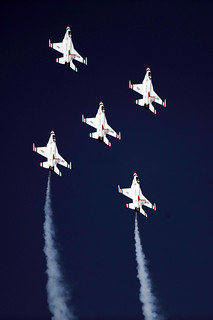 F-16 Fighting Falcons, Thunderbirds, US Air Force | by Beverly & Pack