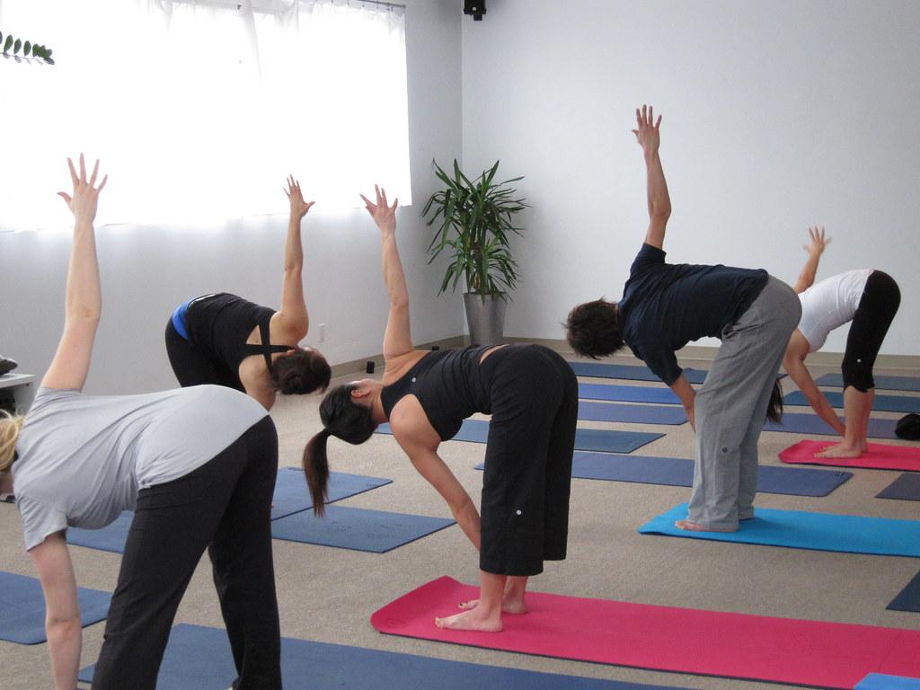 Hatha yoga in Japanese @ Semperviva