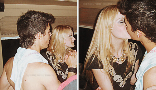 aj michalka and joe jonas | comment here if using or if you ... Zac Efron