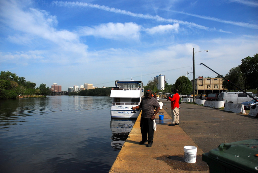 James River Herring Fishing At The Old Annabel Lee Docking