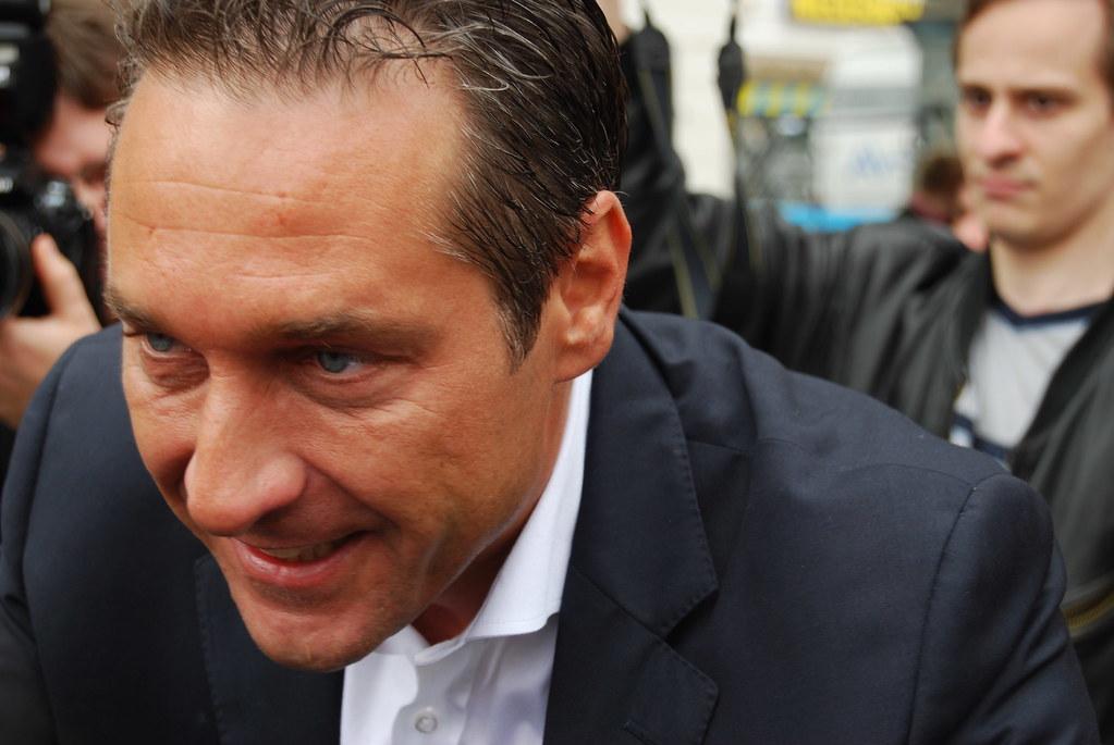 Heinz Christian Strache - Wahlkampfauftakt FPÖ in Eisenstadt #bgl2010 #neuwal