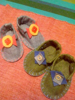 felt baby shoes for baby boy and baby girl | by A Serine