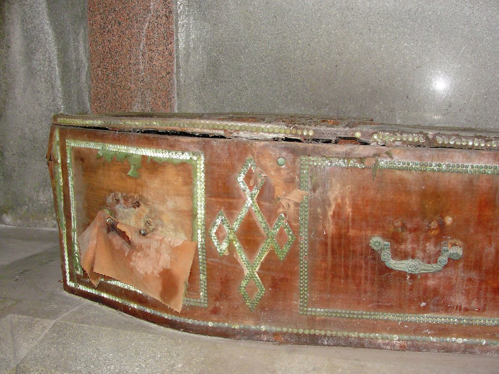 Coffin in The Kilmorey Mausoleum | Internal detail of the ...