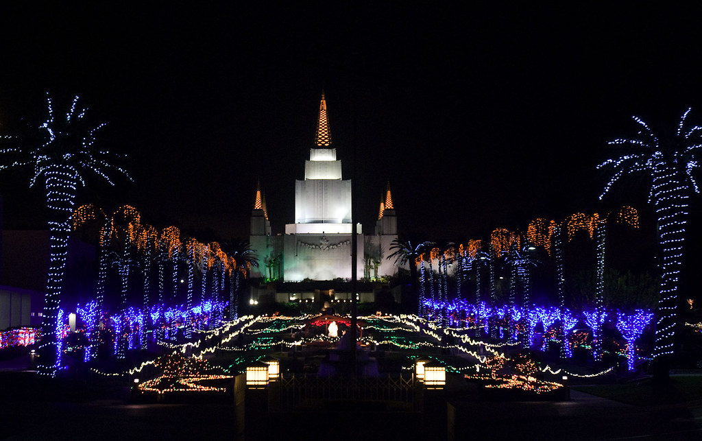 ... Mormon Temple Christmas Lights   by athena_vina - Mormon Temple Christmas Lights The Mormon Temple Lights In… Flickr