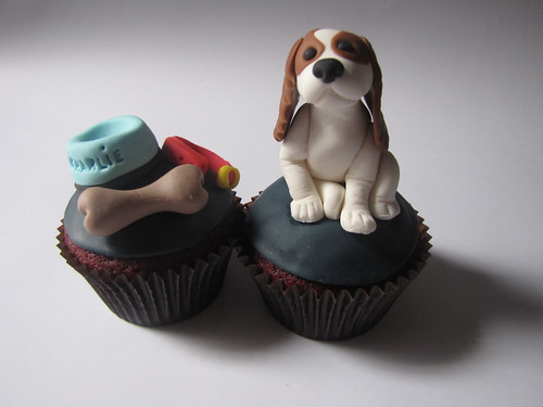 Cavalier King Charles Spaniel Cupcake | by clevercupcakes