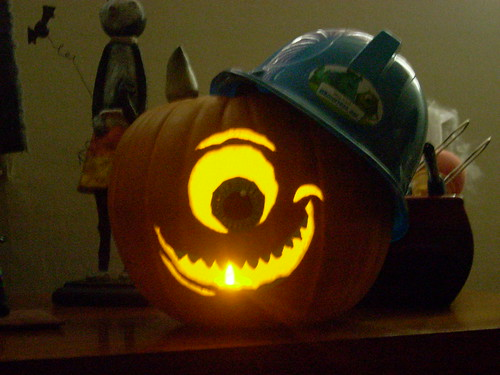 Monster 39 s inc pumpkin we carved mike wazowski into a for Boo pumpkin ideas