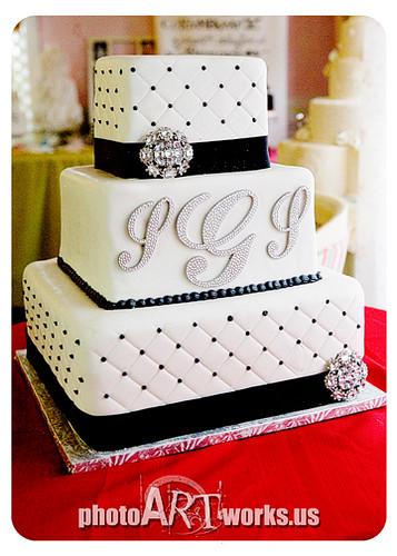 Black and White Wedding Cake   Johnnie   Flickr