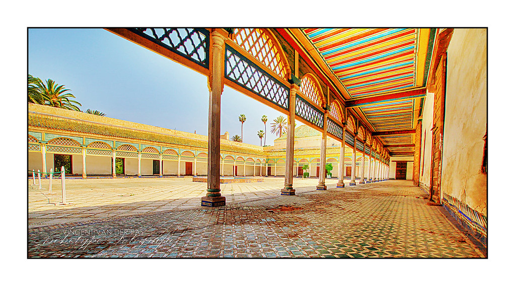 Marrakech colourful old palace el bahia palace best for Architecture marocaine