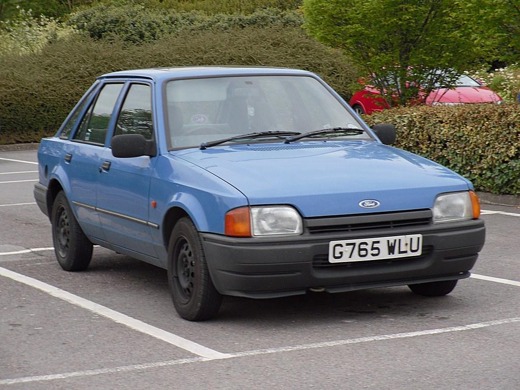 1990 ford escort mkiv 1 4 l hatchback seemingly still a. Black Bedroom Furniture Sets. Home Design Ideas