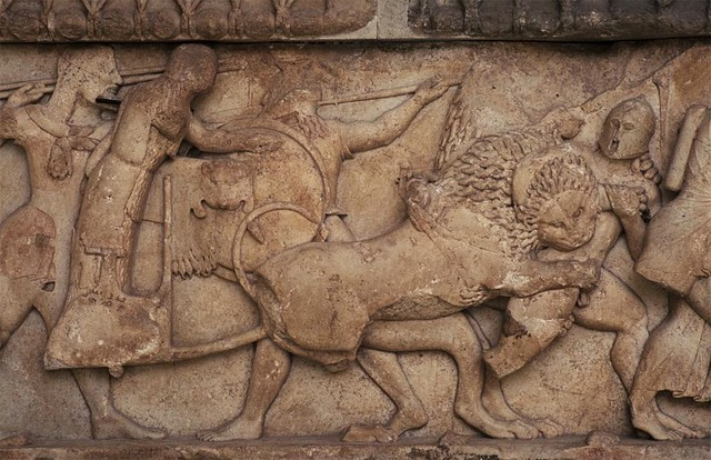 siphnian treasury north frieze-chariot of themis