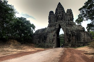 north gate entrance to angkor thom | by Dave_B_