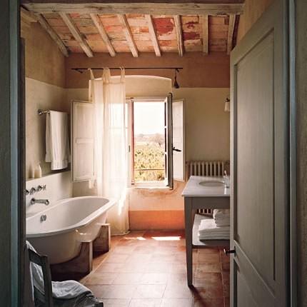 Bathroom via marie claire maison ashley flickr for Salle de bain maison ancienne