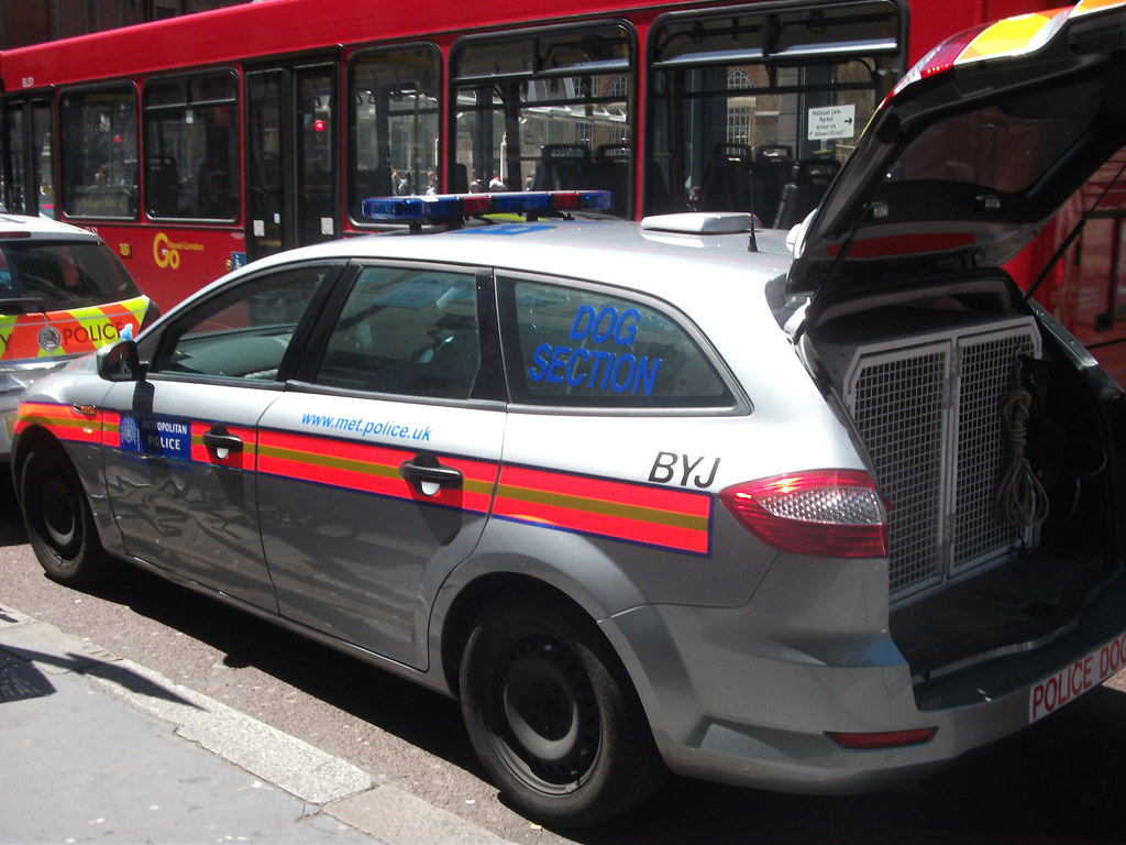 Bxpzp Byj Metropolitan Police Ford Mondeo Edge Dog Unit Seen Parked Outside Bishopsgate Police Station
