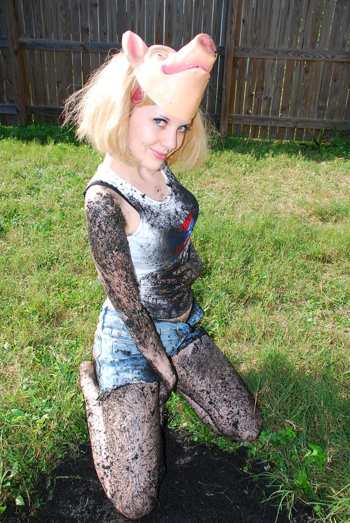Pin Up Pig Girl  Tiffany Steinke  Flickr-7608