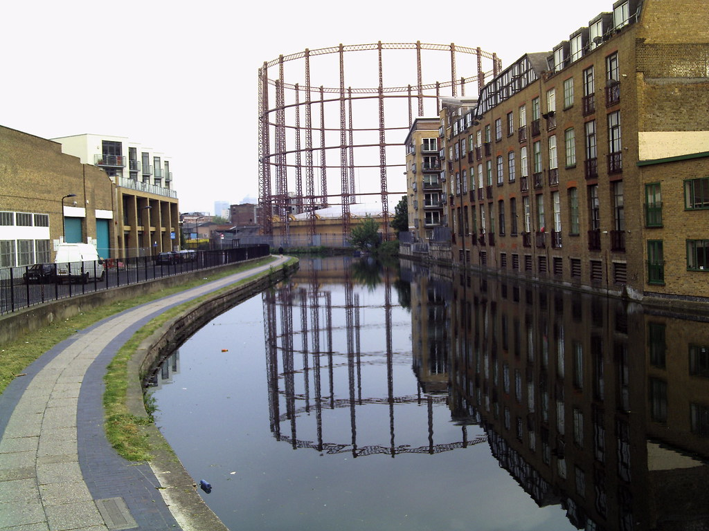 Gasometer Regent S Canal Hackney May 2009 The