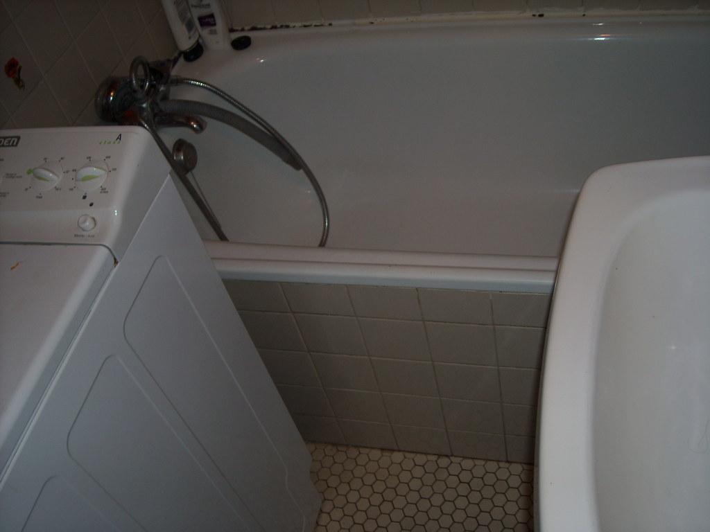 dscn3050 tablier de baignoire carrel trappe de visite. Black Bedroom Furniture Sets. Home Design Ideas