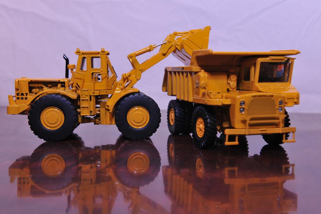 Cat Dump Truck >> Cat 988 loading 769 Dump Truck 1/48 | Classic Construction M… | Flickr