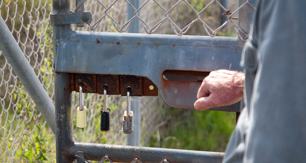 Farm Amp Ranch Gate Latch : Multi lock sliding bar latch secrets bob blanchard mdo