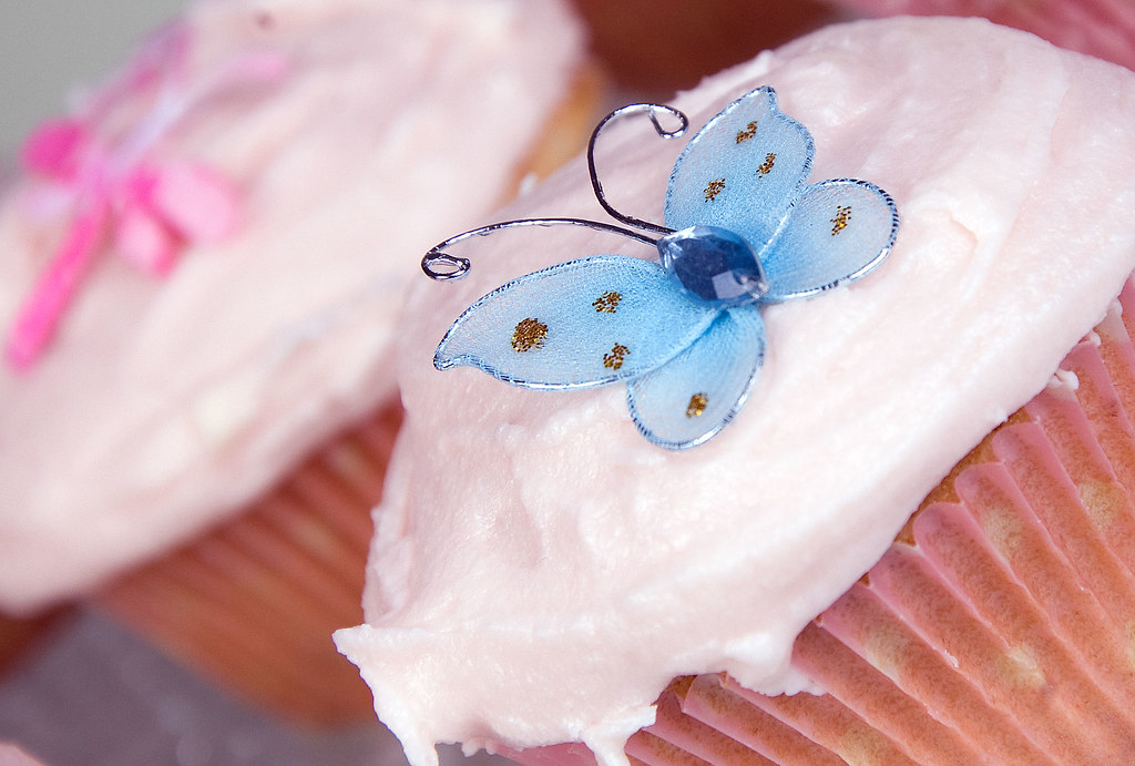 Simple Butterfly Cup Cakes With Frosting