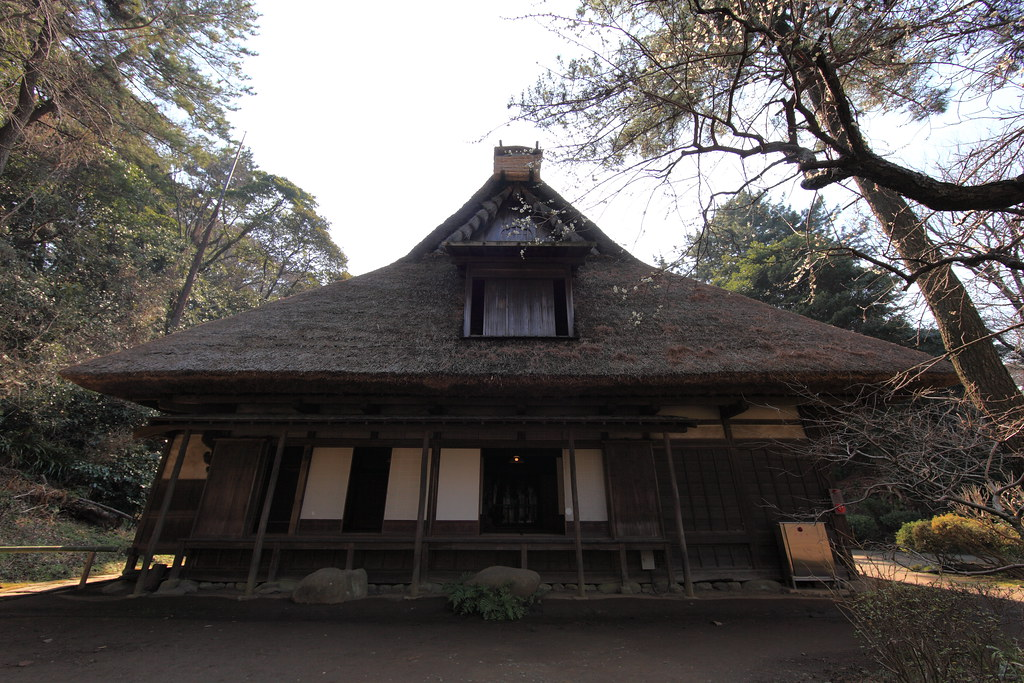Japanese traditional style house exterior design for Japanese themed house