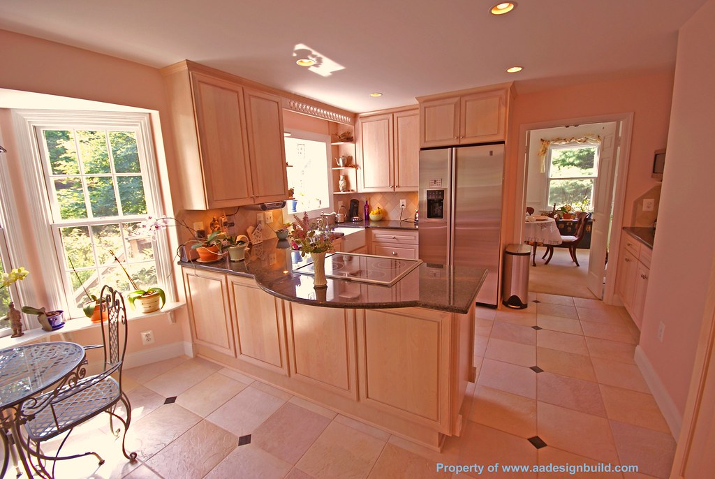 Custom kitchen design and remodeling for Peninsula kitchen designs
