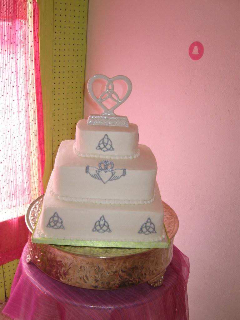 Celtic Wedding Cake | All Buttercream, Celtic Wedding cake w… | Flickr