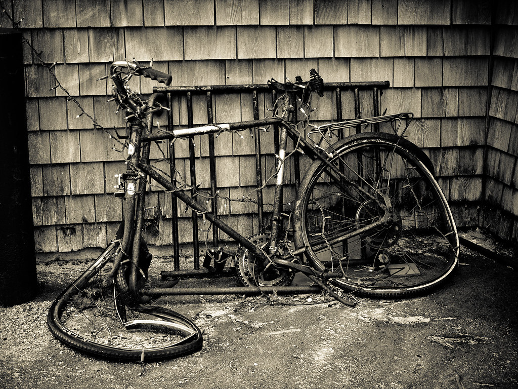 Old Ride | View On Black A rusty old bike parked near a rest… | Flickr