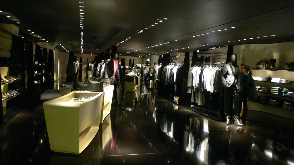 5th avenue clothing store