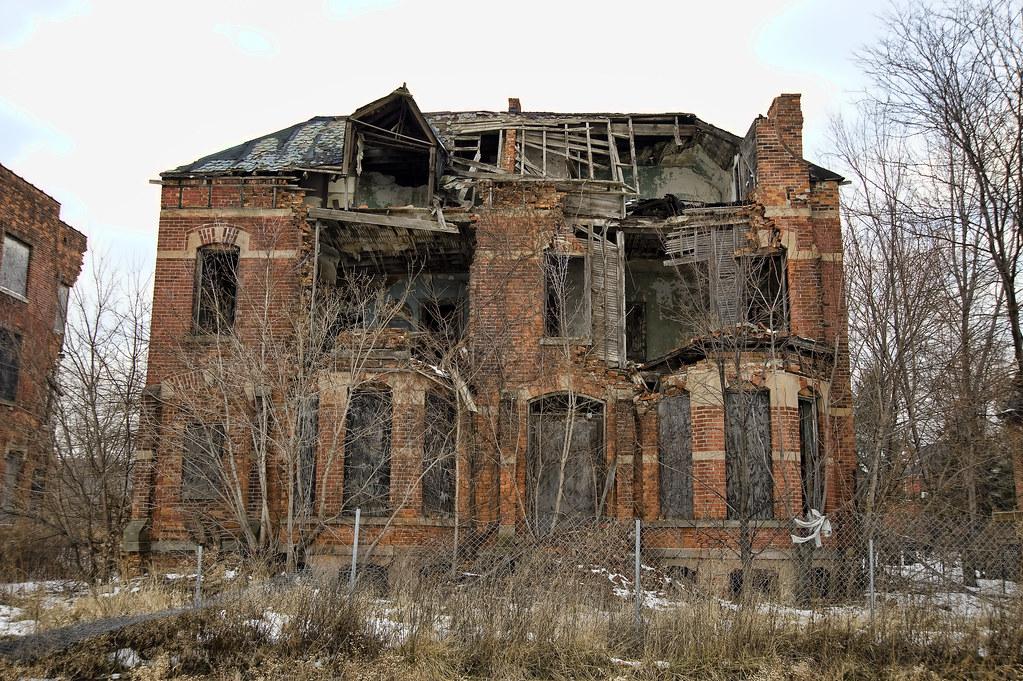 photo essay ruins of detroit