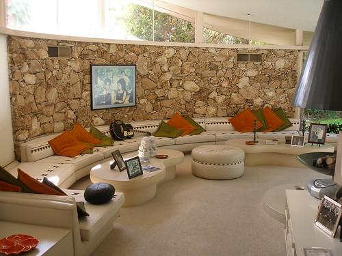 Elvis 39 honeymoon hideaway sunken living room scott for Sunken living room 70 s